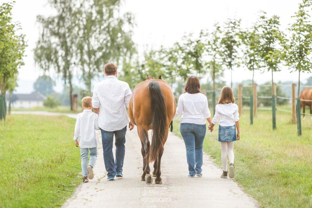 family_Eßbichl-Familienfotos-AB-Photo-14-Bearbeitet_groß_klein_fuer_HP