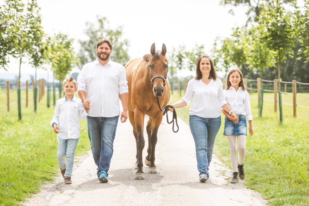 family_Eßbichl-Familienfotos-AB-Photo-37-Bearbeitet_groß_klein_fuer_HP